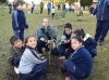 IAU niños plantan.JPG